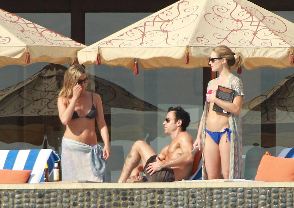 Jennifer Aniston, Justin Theroux i Emily Blunt
