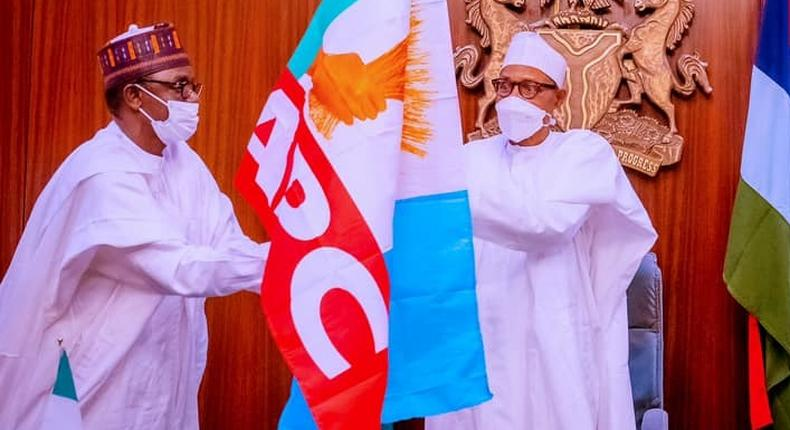 President Muhammadu Buhari (R) and Governor Mai Mala Buni of Yobe State (L). [Presidency]