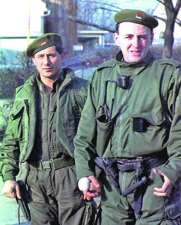 Radovan Stojičić Badža ubijen je u noći između 10. i 11. aprila pred maloletnim sinom u Resavskoj