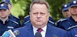 Sypał konfetti wiceministrowi. Otrzymał awans z jego rąk