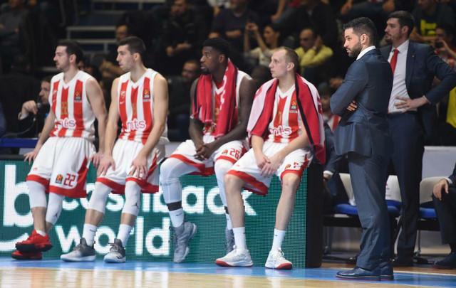 Trener Zvezde Dušan Alimpijević je ponudio ostavku, ali je ona jednoglasno odbijena