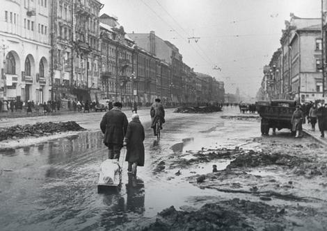 Prizori ulica Lenjigrada za vreme opsade