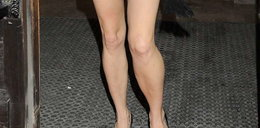 Czyje to nogi?