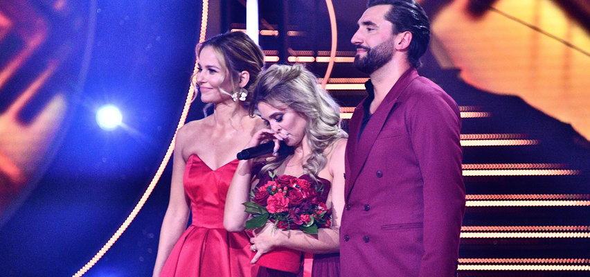 """Wielkie emocje w finale """"Tańca z gwiazdami"""". Kajra po swoim występie miała ważny apel do widzów. Polały się łzy..."""