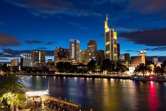 PRODATA TREĆA NAJVEĆA ZGRADA U NEMAČKOJ Neboder u Frankfurtu kupljen za 1,4 milijarde evra