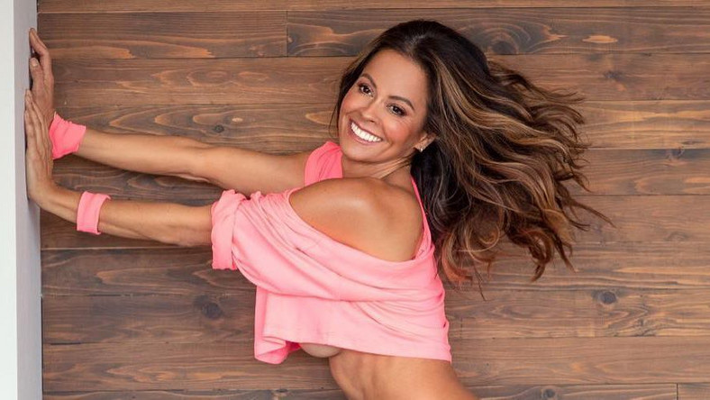 Brooke Burke Posts Nearly Naked Photo On Instagram