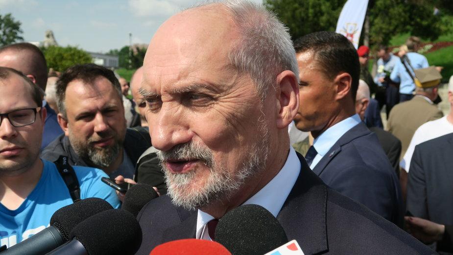 Gorąco na spotkaniu Antoniego Macierewicz z rolnikami. Poszło o ASF