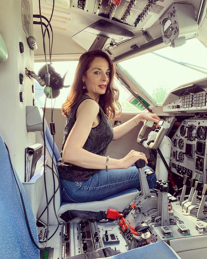 Saša Broz u pilotskoj kabini