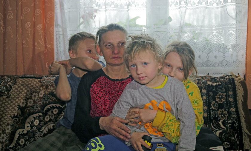 11 dzieci, które miały trafić do domu dziecka, zostaje z mamą