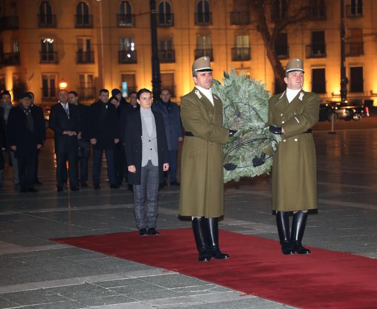 Ana Brnabić Grob neznanog junaka u Budimpešti