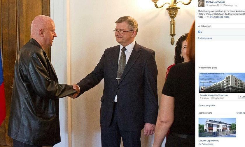 """Mówił, że Macierewicz to """"wróg narodu"""". Co robił w ambasadzie Rosji?"""