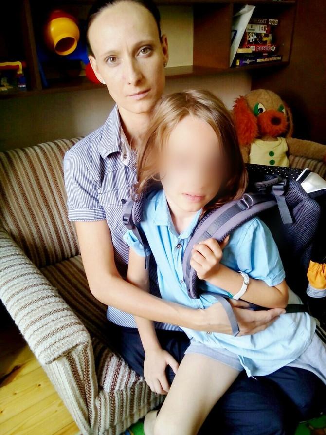 Tamarin sin Kosta polazi u prvi razred, a njegov brat u jaslice