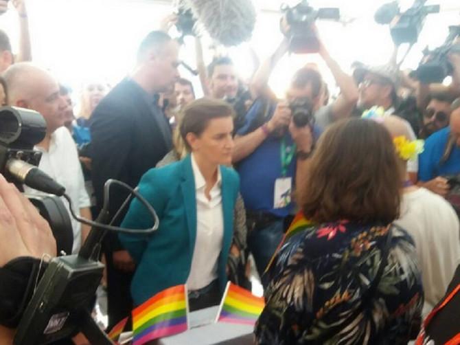 Ana Brnabić podržala Paradu ponosa: Iza njenog izdanja krije se važna modna stavka koja je za svaku pohvalu