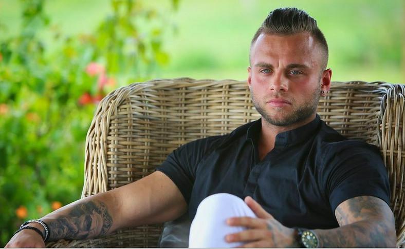 """Hotel Paradise - Krzysztof """"Chris"""" Ducki"""