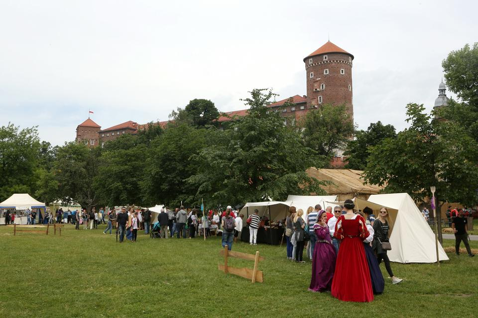 W Krakowie rozpoczął się trzydniowy Jarmark Świętojański
