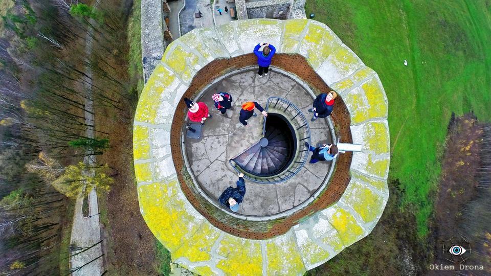 Turyści na wieży - Zamek Chęciny