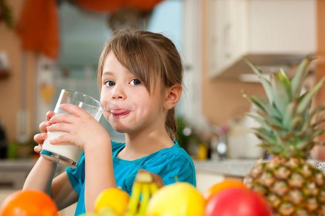 Koliko je dnevno deci potrebno mleka?
