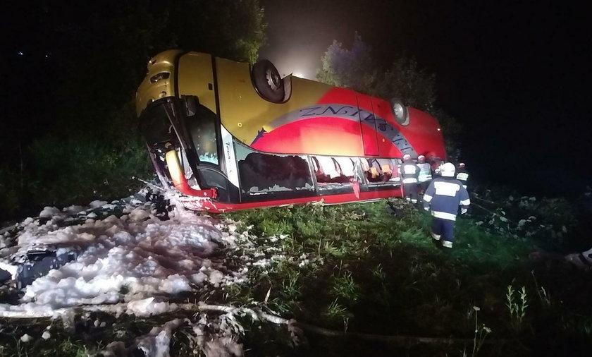 Katastrofa autokaru w Leszczawie Dolnej na Podkarpaciu