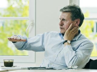 Balcerowicz o rezygnacji z jednolitego podatku: Będzie dociskanie śruby podatkowej bez wiedzy obywateli