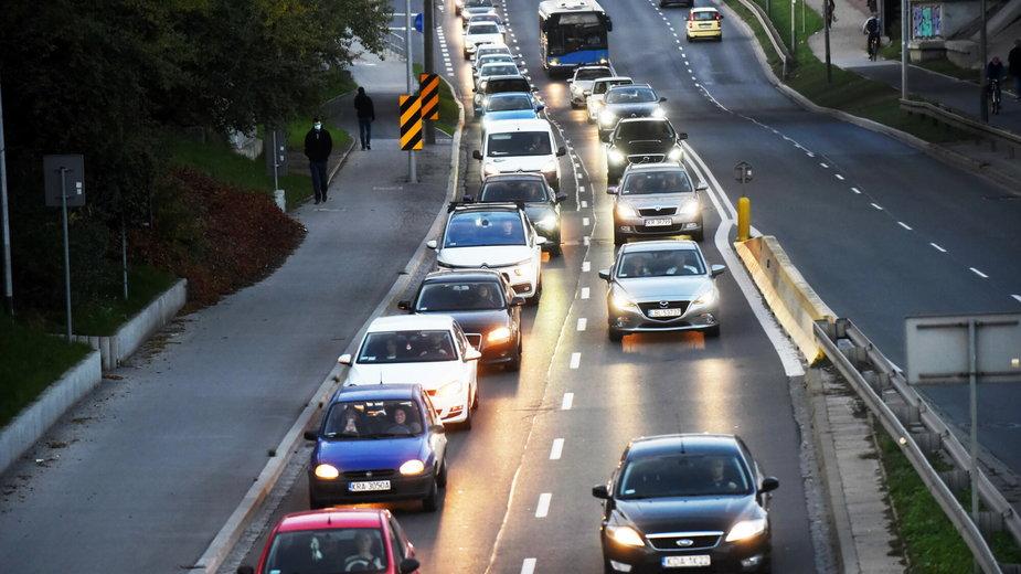 Jak skutecznie zabezpieczyć samochód przed kradzieżą?