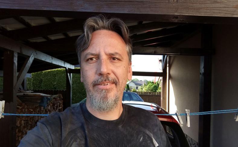 Alcatel 5 - selfie - aparat zwykły
