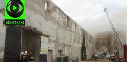 Wielki pożar magazynu ze słomą w Bielawie