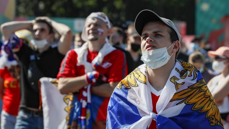 Kibice reprezentacji Rosji w moskiewskiej Strefie Kibica