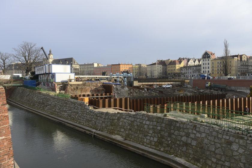 Prace przy jazie Elektrowni Wodnej Wrocław
