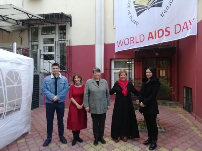 Rektorka Beogradskog univerziteta Ivanka Popović istakla je da je ponosna na studente jer su prepoznali značaj ovakvih humanitarnih akcija