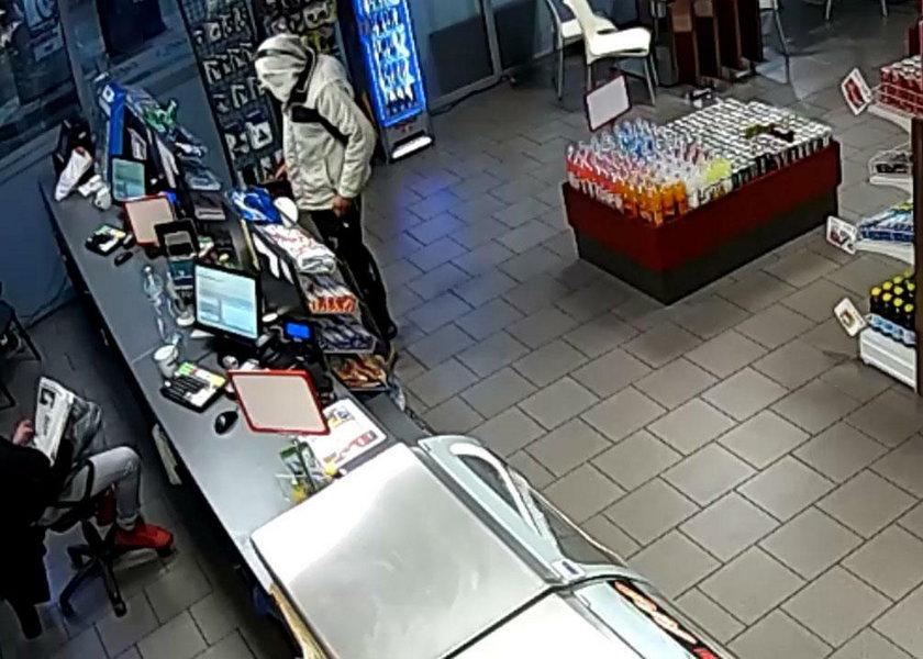 Napadł z nożem na stację benzynową, ale zniechęcił się i wyszedł