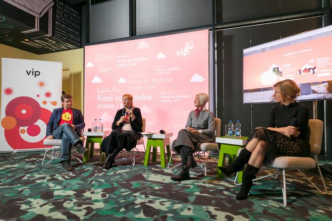Panel - Dejan Turk, Biljana Lajović, Nataša Stojanović i Nataša Miljković