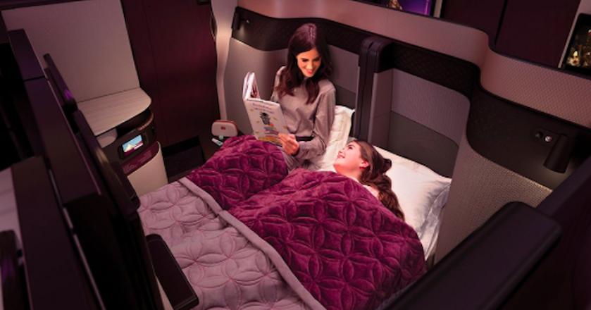 Nowe kabiny w samolotach Qatar Airways pozwalają na rozłożenie podwójnego łóżka