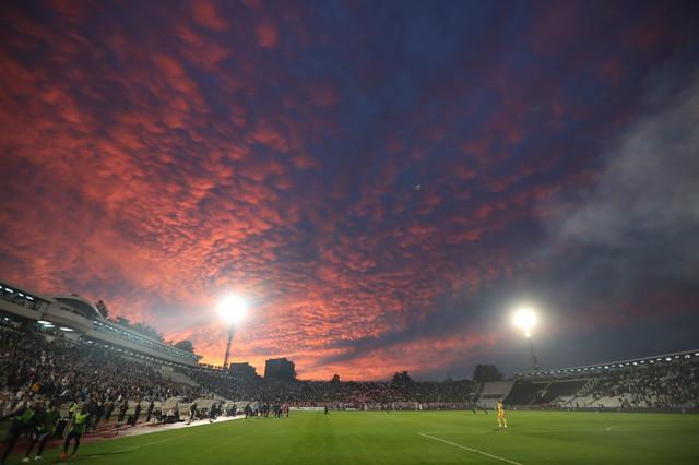 Nebo nad stadionom FK Partizan u Humskoj
