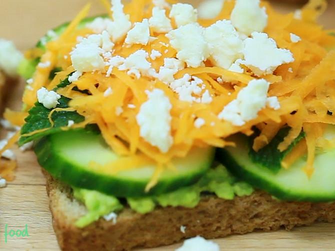 Kakav savršen doručak! Avokado tost će vam dati svu potrebnu energiju za naporan početak dana!