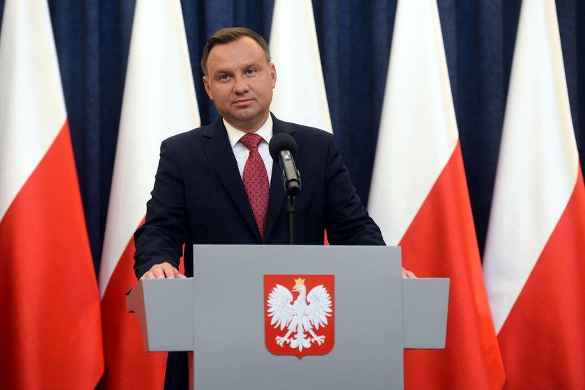Sondaż IBRiS dla Onetu. Donald Tusk wygrywa z Andrzejem Dudą