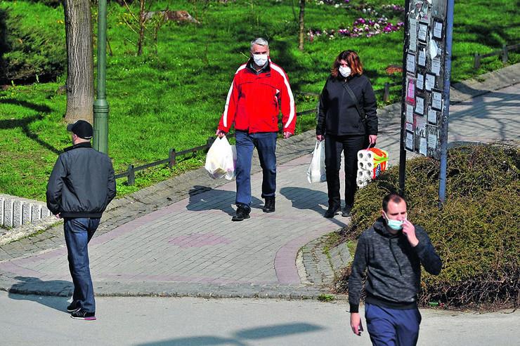 U nekim gradovima virus je krenuo iz ustanova za stare