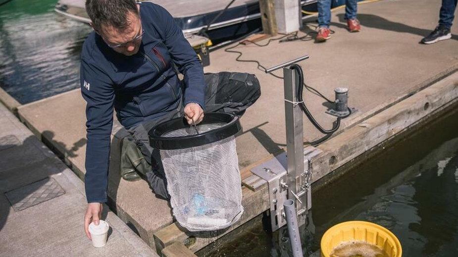 Kolejny kosz czyszczący Bałtyk. Seabin wyłowi rocznie 1,5 tony odpadów