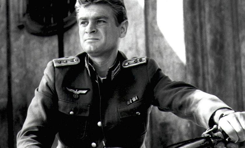 Stanisław Mikulski w roli Kapitana Klossa