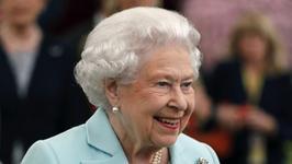 Królowa Elżbieta szuka eksperta ds. social media. Zapłaci… 30 tys. funtów rocznie!