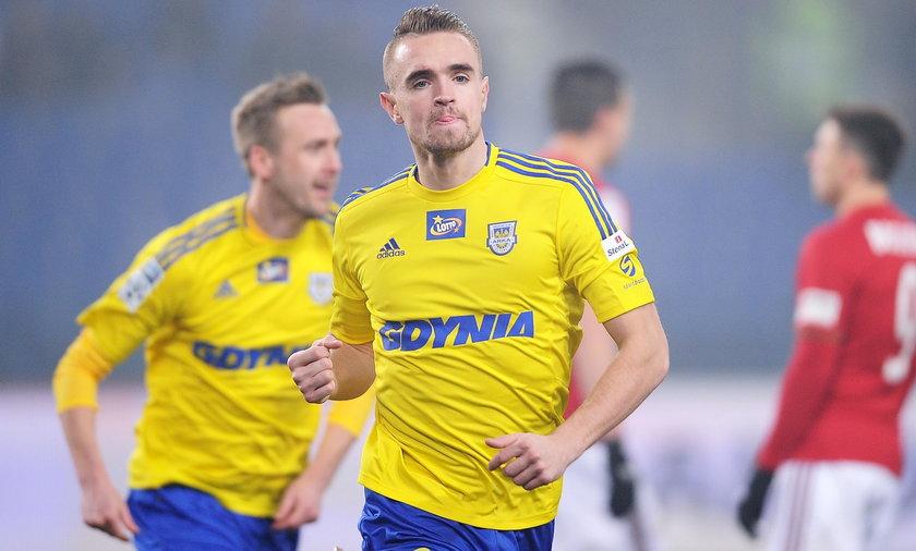 Fani Arki Gdynia domagają się odsunięcia piłkarzy od składu