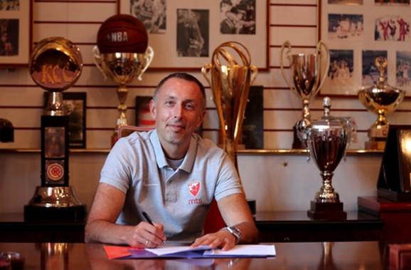 Milan Tomić paragrafio ugovor sa Crvenom zvezdom