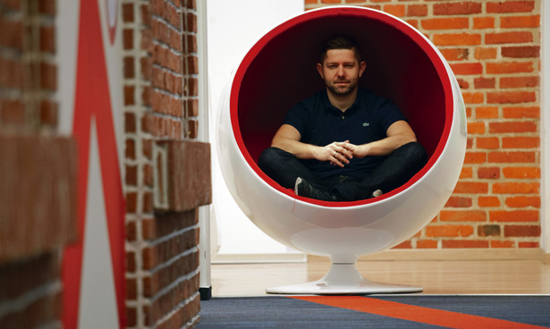 Michał Sadowski, prezes zarządu Brand24 SA, odnoszącego międzynarodowe sukcesy narzędzia do monitoringu marki w internecie.
