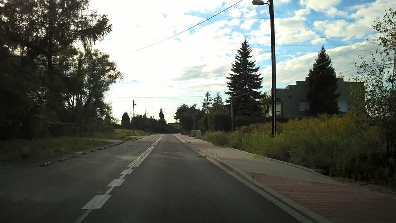 Ulica Lubocka. Część drogi została już wyremontowana