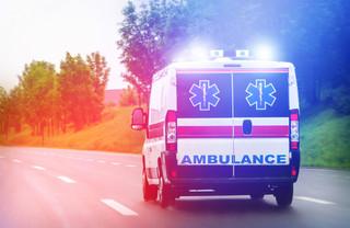 Kierowca karetki pogotowia śmiertelnie potrącił dziecko na pasach. Wyrok: 5,5 roku więzienia