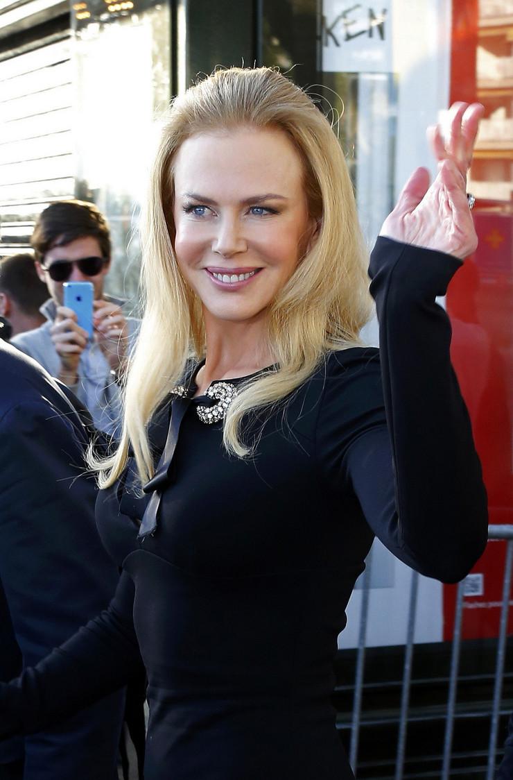 SVI BRUJE O SKANDALU Tom Kruz ZABRANIO Nikol Kidman da dođe na venčanje njihovog sina