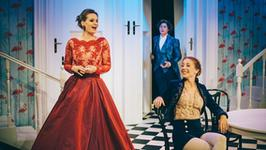 """""""Nienawidzić ród męski, nigdy nie być żoną"""" – premiera """"Ślubów panieńskich"""" w Teatrze Scena STU"""