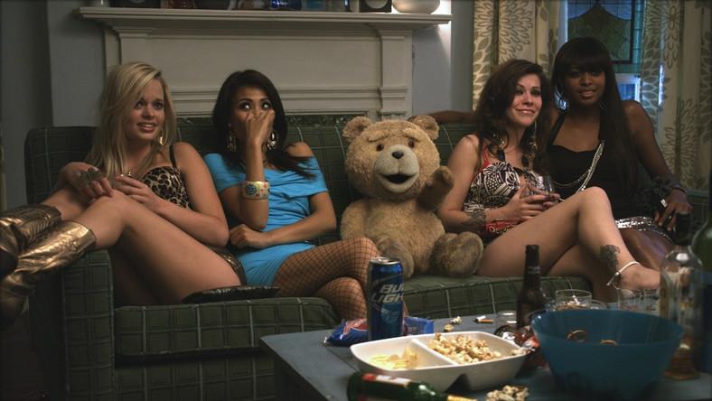 """""""Ted"""" – miś bardzo imprezowy"""