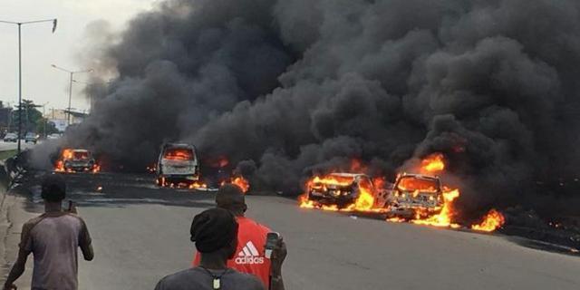 Onitsha fire disaster: 1 dies, 13 luxury buses burnt | Pulse Nigeria