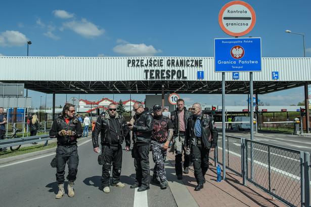 """Na przejazd przez Polskę motocyklistów z klubu """"Nocne wilki"""", nie zgodziło się polskie MSZ"""