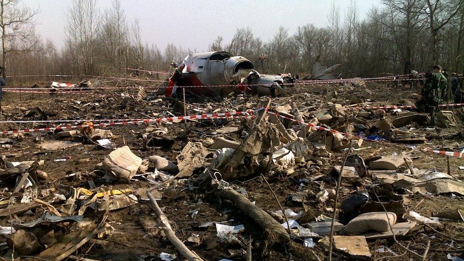 Zdjęcia wraku Tu-154M, który rozbił się w Smoleńsku
